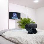 Monteurzimmer K3 Sinsheim - Doppelzimmer mit SMART TV und Tageslicht LED