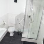 Monteurzimmer-Sinsheim-K3_EG_Bad1 Dusche mit Toilette
